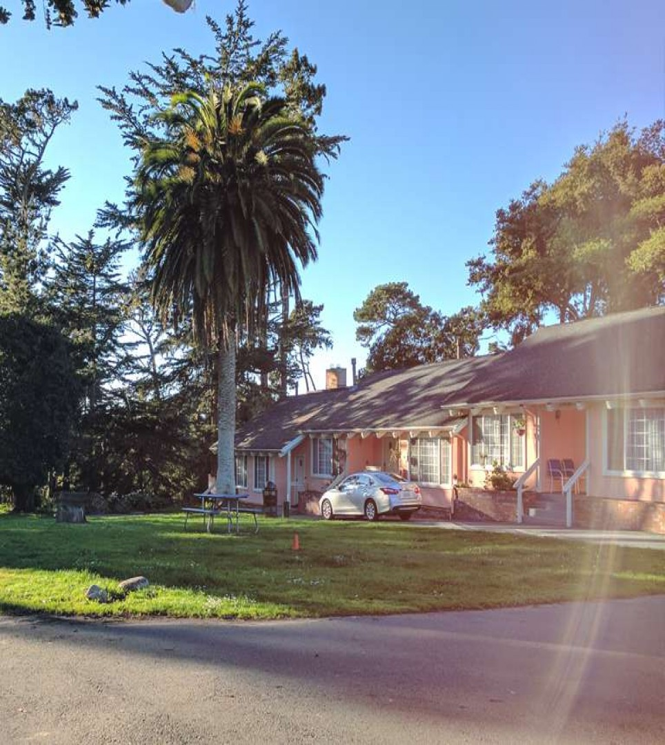 A RELAXING OASIS IN THE HEART OF PACIFIC GROVE
